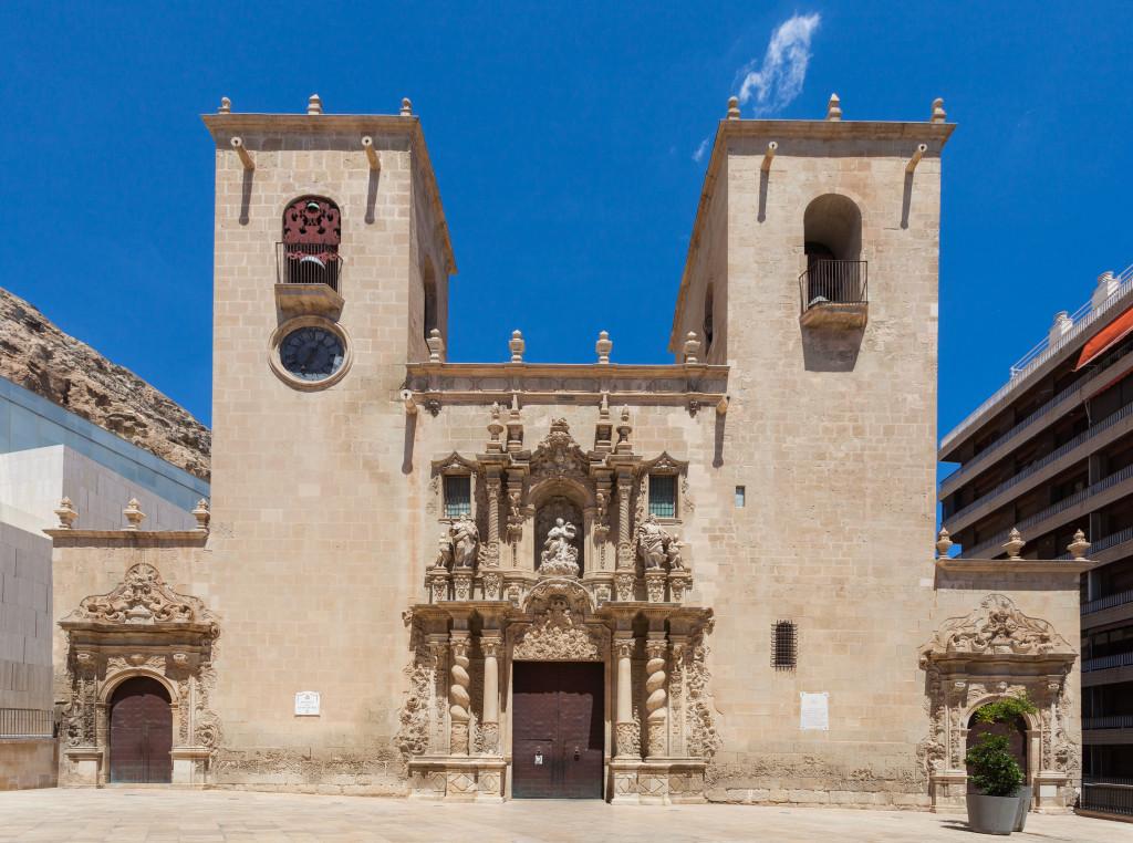 Basílica_de_Santa_María,_Alicante,_España,_2014-07-04,_DD_41
