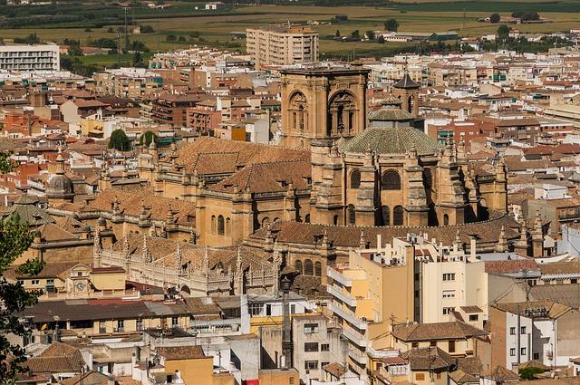 Granada, een stad omgeven door bergen